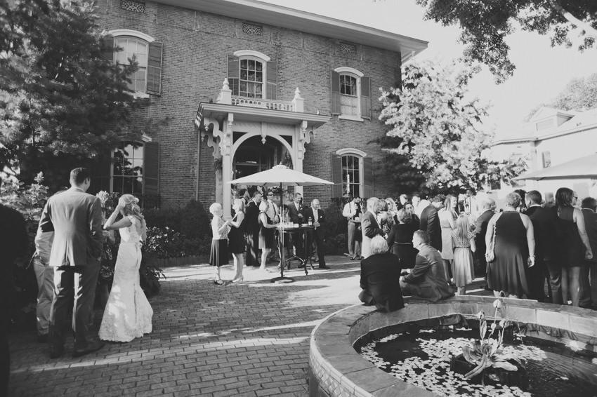 columbus-ohio-wedding-photographer-taylor-mansion 24